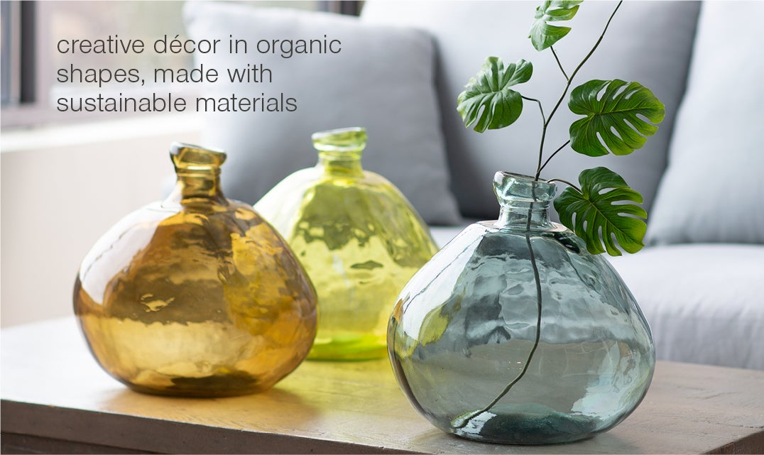 creative decor in organic shapes, made with sustainable materials. Glass balloon vases - shop decorative objects